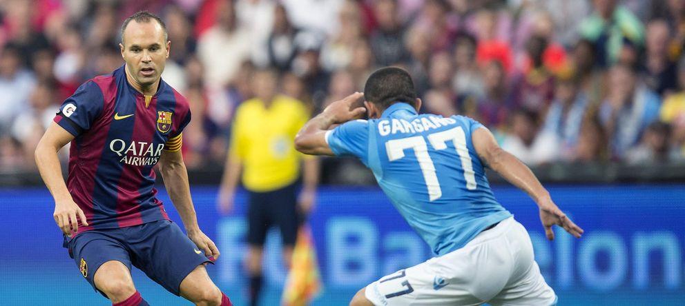 Foto: Andrés Iniesta, durante el partido de pretemporada ante el Nápoles.