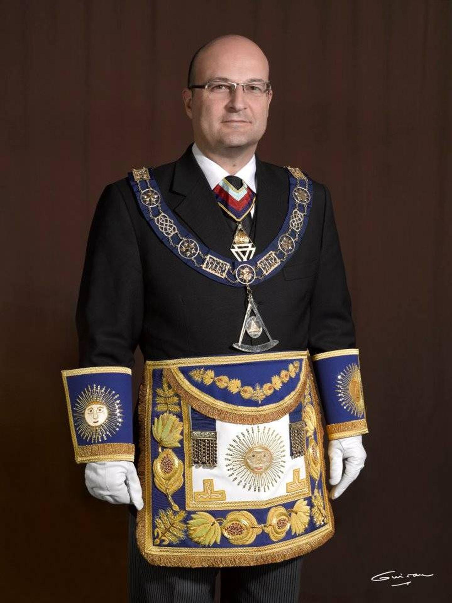 Oscar de Alfonso Ortega es el actual Gran Maestro de la Logia de España.