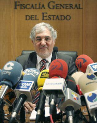 Foto: ETA ha muerto, viva el fiscal general del Estado