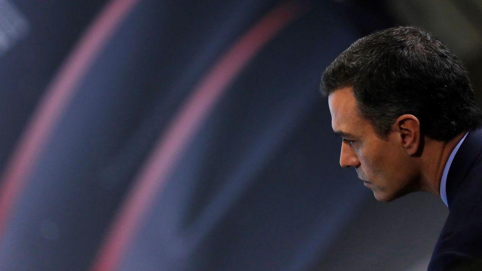 Sánchez intenta tranquilizar a las empresas tras su pacto con UP y garantiza estabilidad