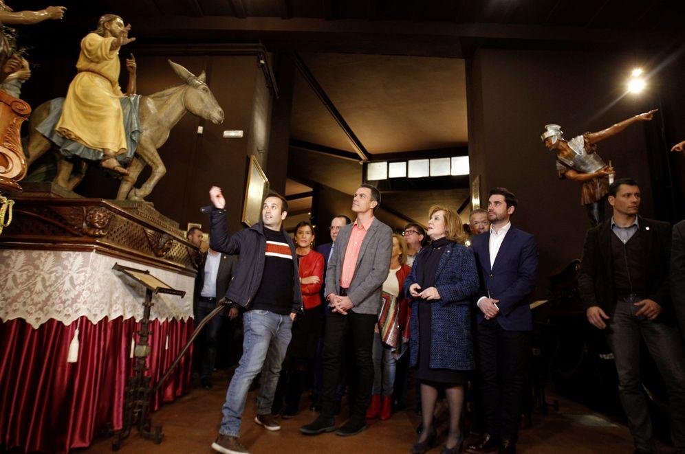 Foto: Pedro Sánchez, durante la visita al Museo de la Semana Santa de Zamora, este 27 de marzo en la ciudad castellanoleonesa. (EFE)