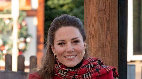 ¿Ola de frío? Necesitas estos guantes y bufanda de tartán de H&M al estilo Kate Middleton