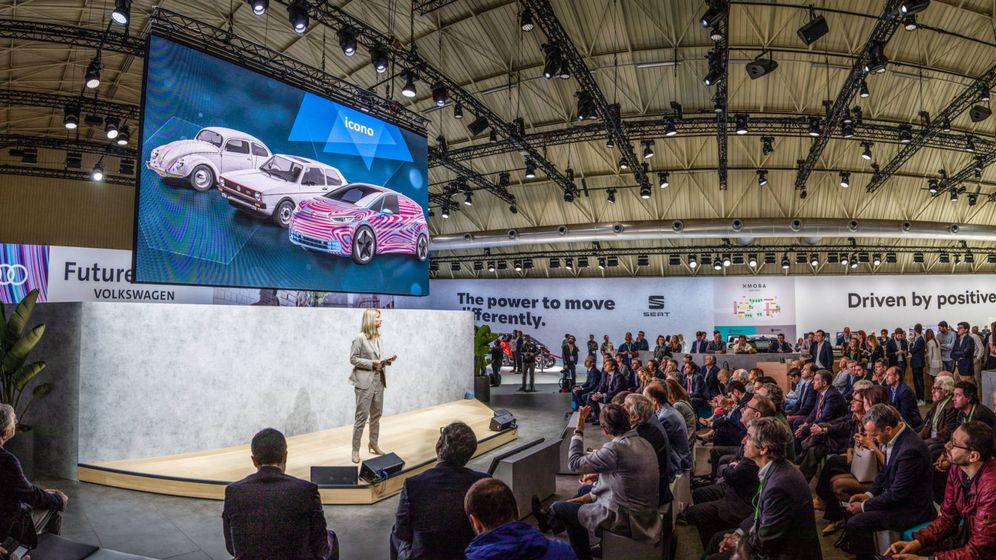 Foto: Expectación ante el anuncio por Laura Ros, responsable de Volkswagen en España, de las claves del nuevo ID3.