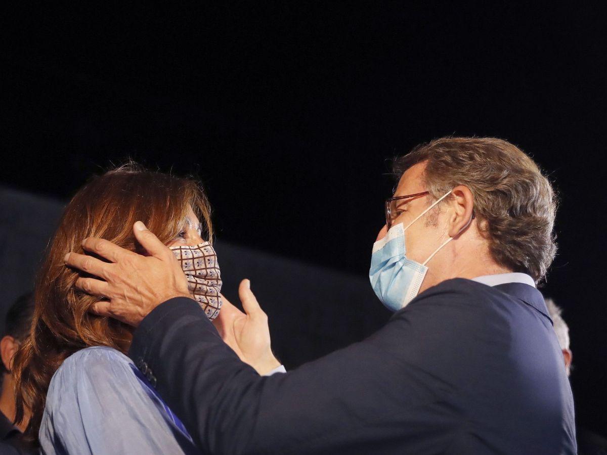 Foto: Feijóo y Cárdenas, tras la victoria en las urnas. (EFE)