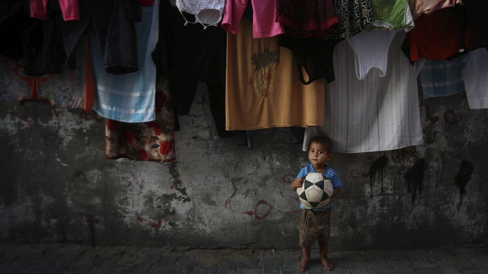 Blatter y Platini meten el gol más difícil y bonito del mundo en Gaza
