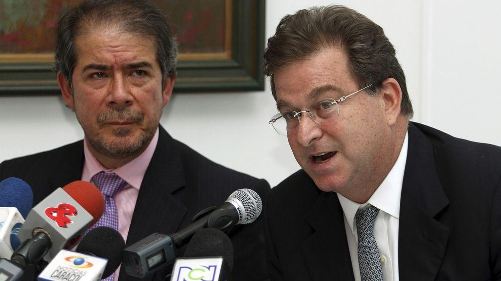 Foto: El empresario colombiano Jaime Gilinski (d). (Reuters)