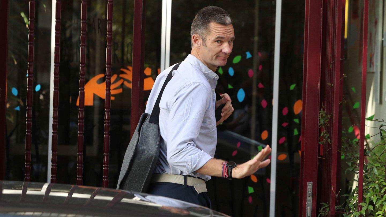 Iñaki Urdangarin entra en el Hogar Don Orione de Pozuelo. (EFE)