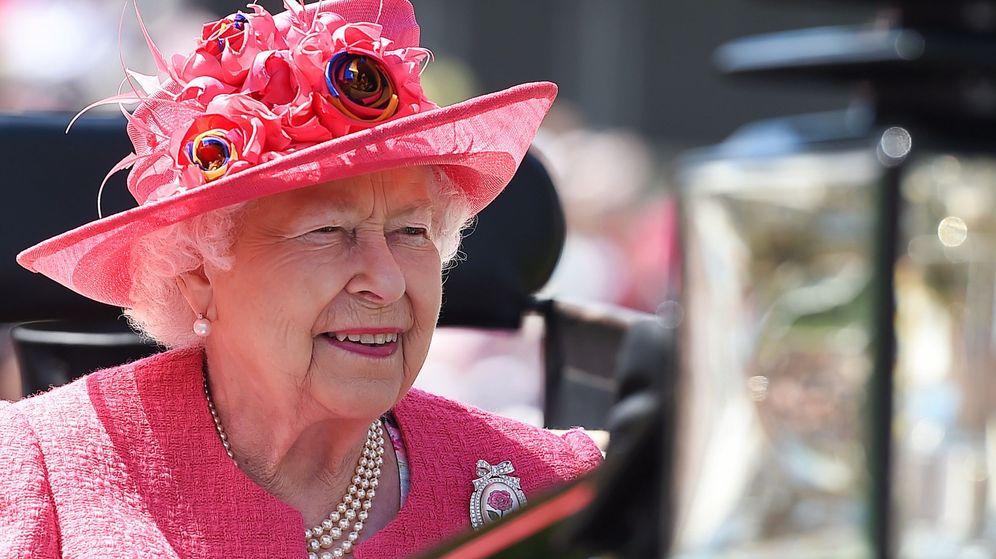 Foto: Isabel II, en la carrera de caballos de Ascot. (EFE)