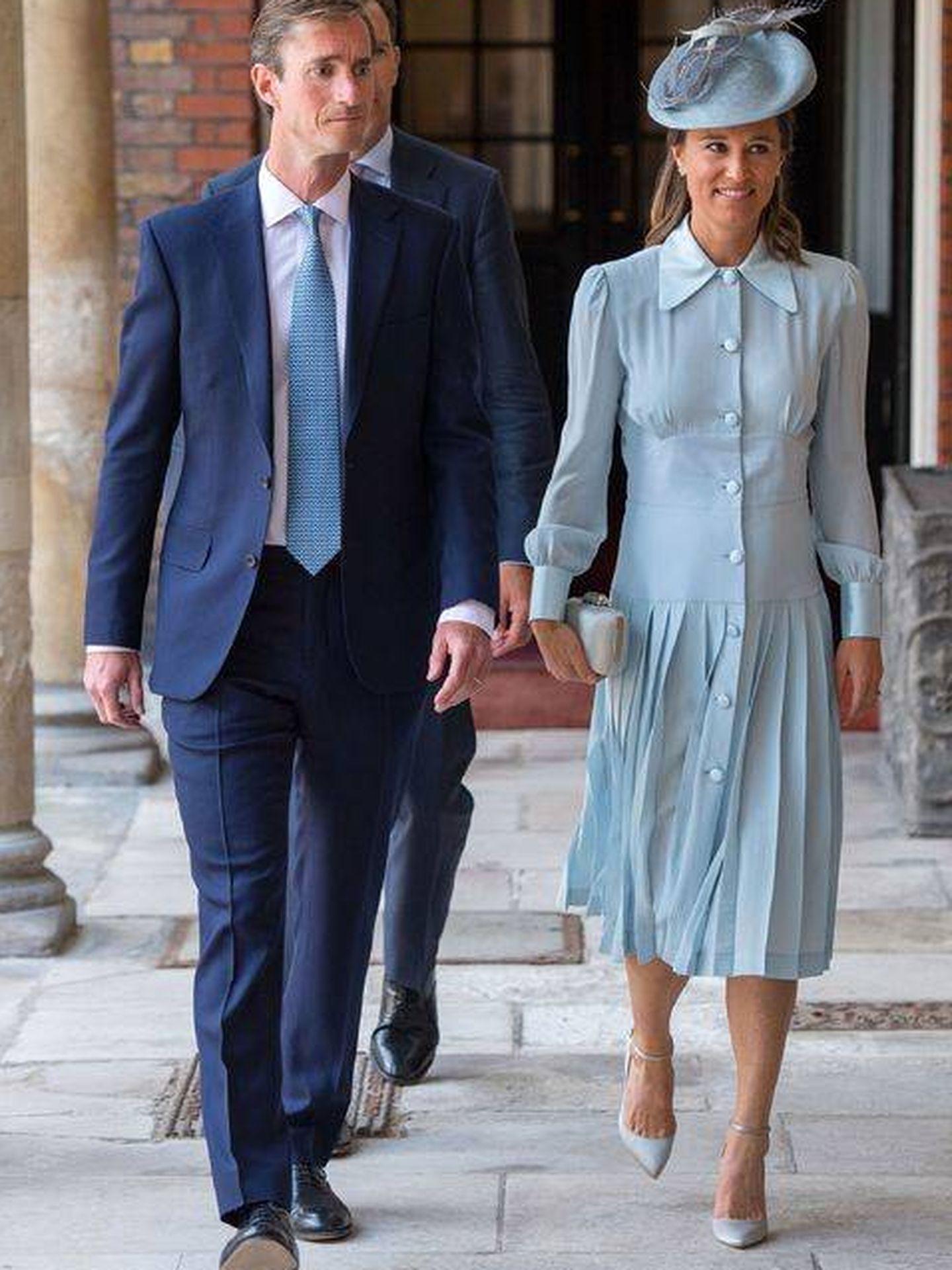 Pippa Middleton, con el mismo vestido de su hermana en otro diseño. (Getty)