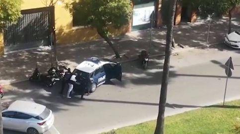 Redada policial de película: dos encapuchados atracan una sucursal con rehenes