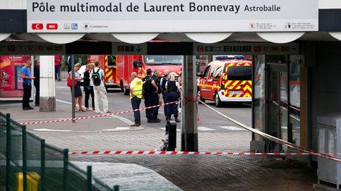 Un muerto y ocho heridos en un ataque con cuchillo cerca de Lyon (Francia)