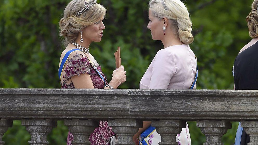 Máxima y Mette-Marit, quedada de royals entre birras y risas
