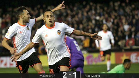 El Madrid pierde la primera ocasión de distanciarse y se la pega en Valencia