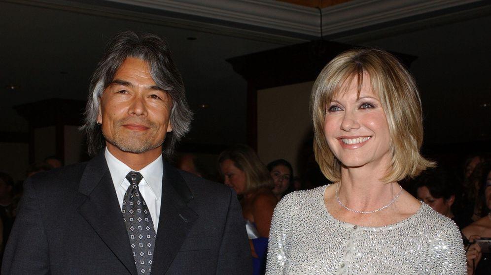 Foto: Olivia Newton John y Patrick McDermott en el año 2005 (Gtres)
