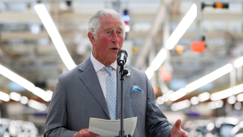 El príncipe Carlos, durante su visita a la planta de Mini. (Reuters)