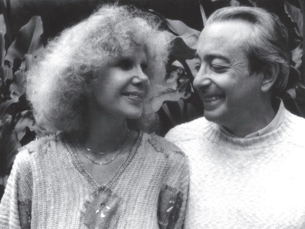 Foto: La duquesa de Alba y Jesús Aguirre, en una imagen de archivo. (Ed. Café de la Rosa)