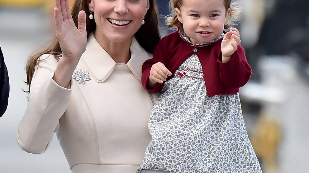 Acusan a Kate Middleton y Guillermo de explotar la imagen de su hija Charlotte