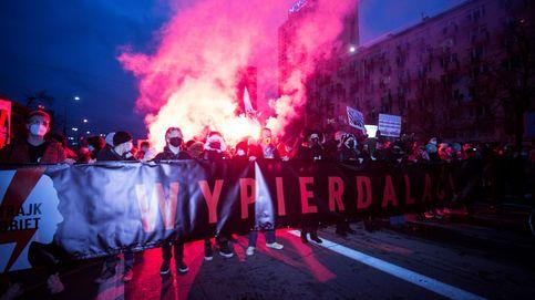 Este Gobierno odia a las mujeres: las polacas se alzan contra la 'teocracia' de Estado