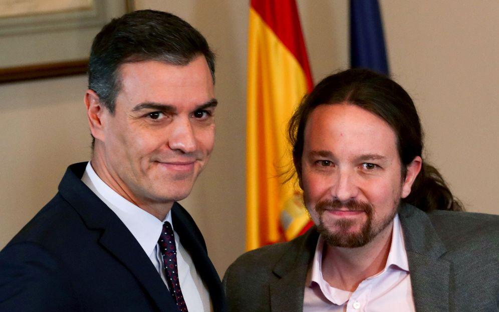 Foto: Pedro Sánchez y Pablo Iglesias, el pasado 12 de noviembre en el Congreso en la firma del preacuerdo entre ambas formaciones. (Reuters)
