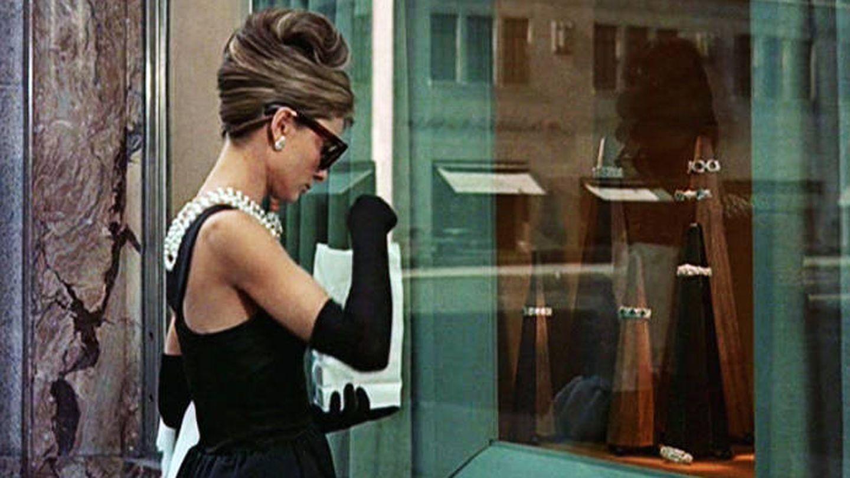 Audrey Hepburn teniendo un día rojo en 'Desayuno con diamantes'.