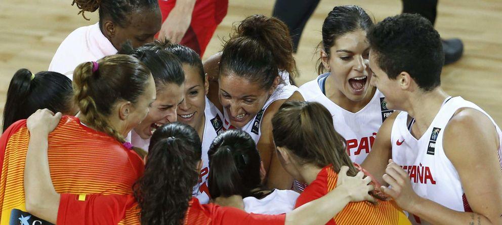 Foto: Las jugadoras de la selección española de baloncesto femenino durante el Mundial de Turquía (Foto: FEB).