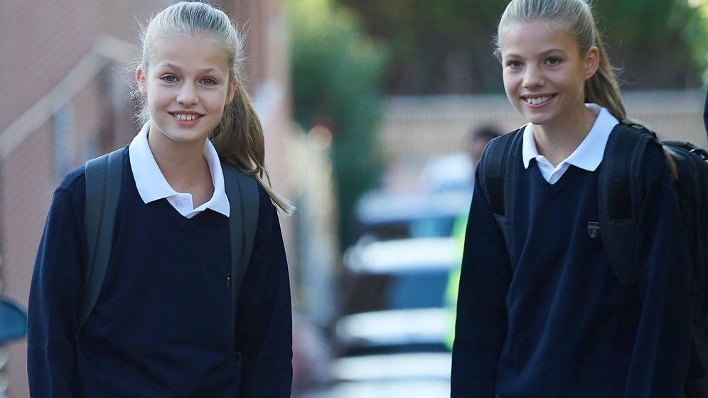 Foto: Leonor y Sofía en el colegio, en una imagen de archivo. (Limited Pictures)