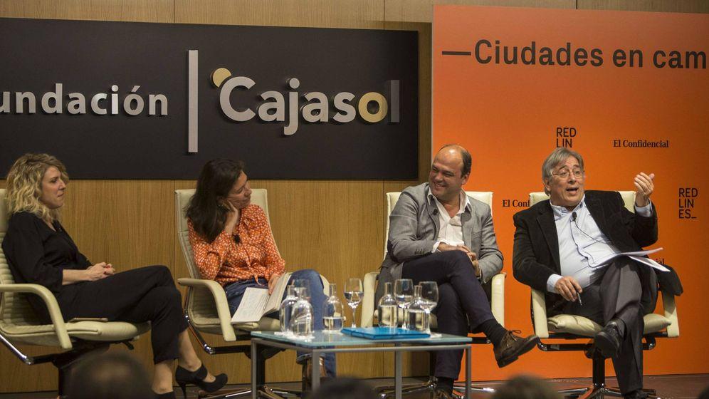 Foto: Ignacio Varela, junto a José Carlos Díez, Isabel Morillo y Verónica Fumanal. (Fernando Ruso)