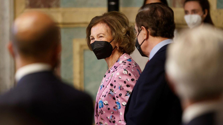 La reina Sofía estrena una chaqueta de 1.500 euros para su última cita oficial