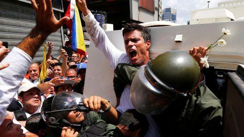 El opositor venezolano Leopoldo López llega a España y se reúne con su familia