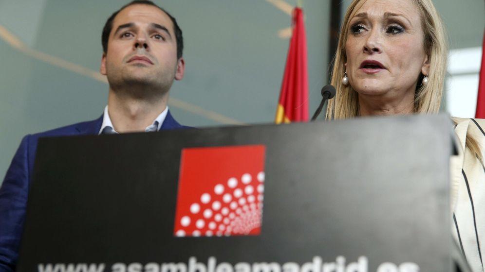 Foto: Ignacio Aguado y Cristina Cifuentes. (EFE).