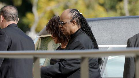 Stevie Wonder, Lionel Richie, familiares y amigos despiden a Natalie Cole