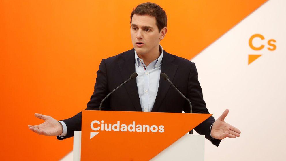 Ni un solo político aprueba: Rivera es el líder mejor valorado y Rajoy se hunde