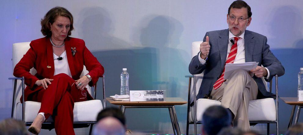 Foto: La secretaria general iberoamericana Rebeca Grynspan (i), y el presidente del Gobierno español, Mariano Rajoy (d) (Efe)