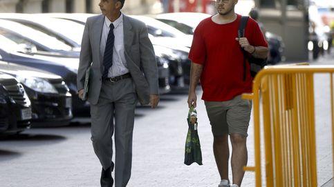 La Fiscalía pide que se prohíba al rapero Pablo Hasel salir de España