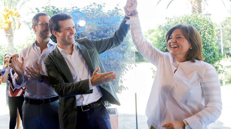 El presidente del PP, Pablo Casado, y la presidenta del PPCV, Isabel Bonig. (EFE)