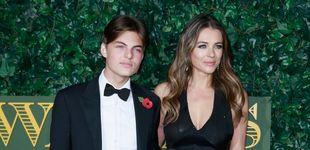 Post de Damian, el 'hijo gemelo' de Liz Hurley, habla en Instagram tras el suicidio de su padre