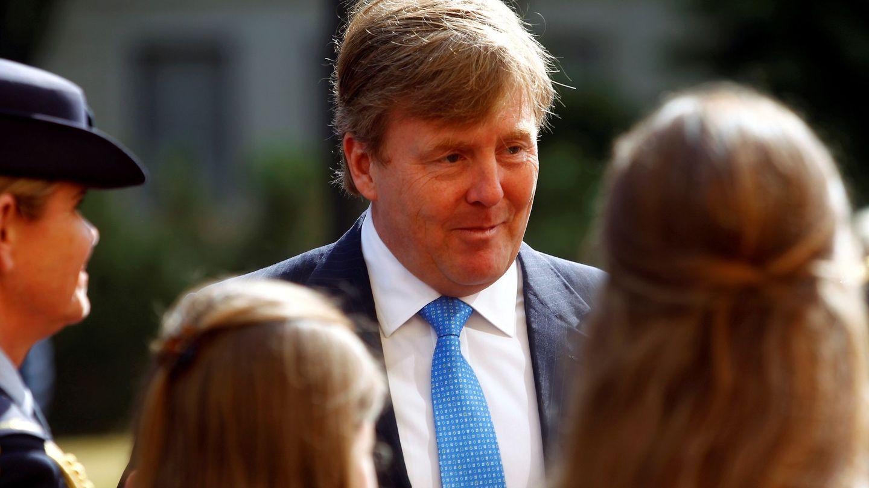El monarca holandés en Riga. (EFE)