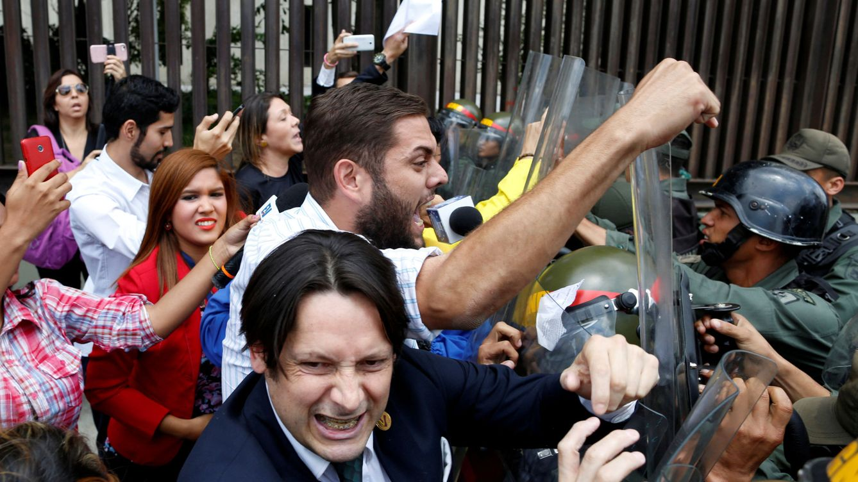 Clamor contra el 'Madurazo': preocupación por el 'autogolpe' en Venezuela