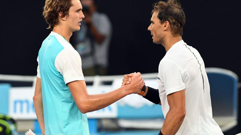 Foto: Rafa Nadal (d) y Alexander Zverev (i) se enfrentaron en el último Abierto de Australia, con victoria para el español. (EFE)