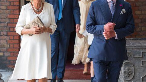El príncipe Carlos precipita su plan en el que solo entran los Sussex y los Cambridge