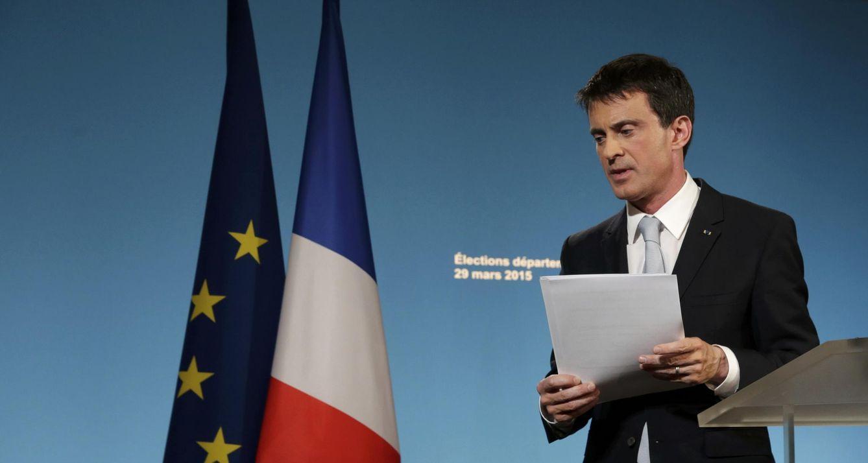 Foto: El primer ministro francés, Manuel Valls, analiza los resultados electorales en París (Reuters).