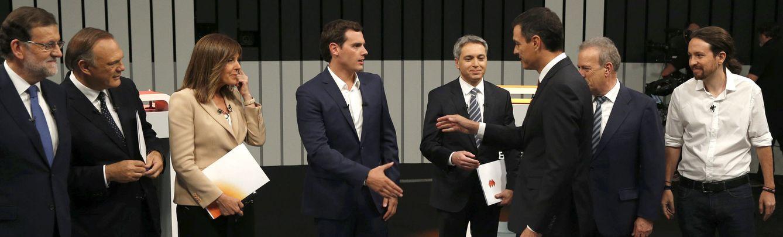 Foto: Mariano Rajoy, Pedro Piqueras, Ana Blanco, Albert Rivera, Vicent Vallés, Pedro Sánchez, Manuel Campo Vidal y Pablo Iglesias. (EFE)