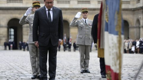Hollande se suicida en 700 páginas