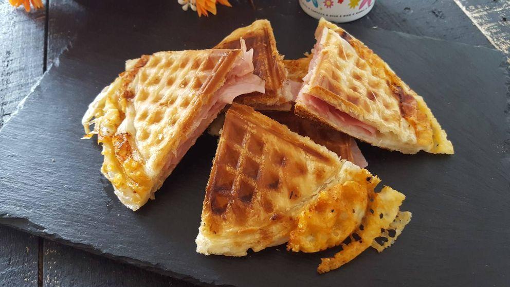 Gofres de hojaldre rellenos de jamón y queso: un plato original y sabroso