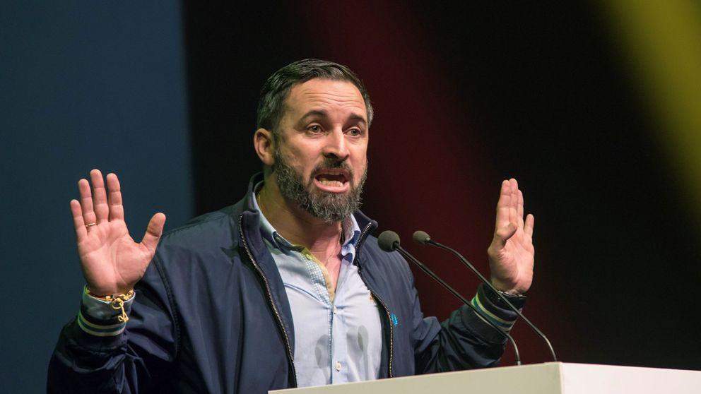 Vox cesa a uno de sus jefes de prensa por presentarse a las primarias frente a Abascal