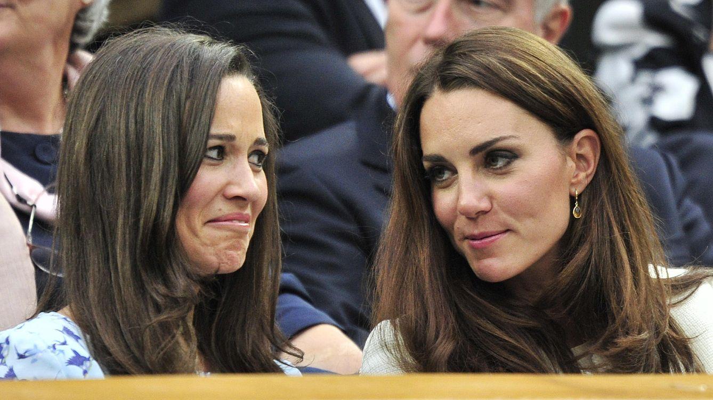 Foto: Kate junto a su hermana Pippa, en una imagen de archivo (Reuters)