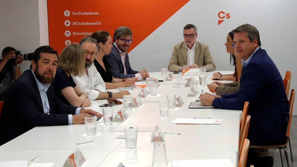 Foto: l secretario general de Ciudadanos José Manuel Villegas (c), durante la reunión de la ejecutiva semanal. (EFE)