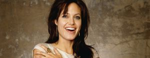 """Angelina Jolie, """"demasiado blanca y guapa"""" para encarnar a Cleopatra"""