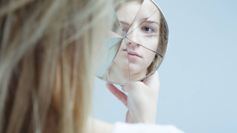 Categorizamos los problemas mentales a través de tópicos y categorías que estigmatizan a los pacientes. (iStock)
