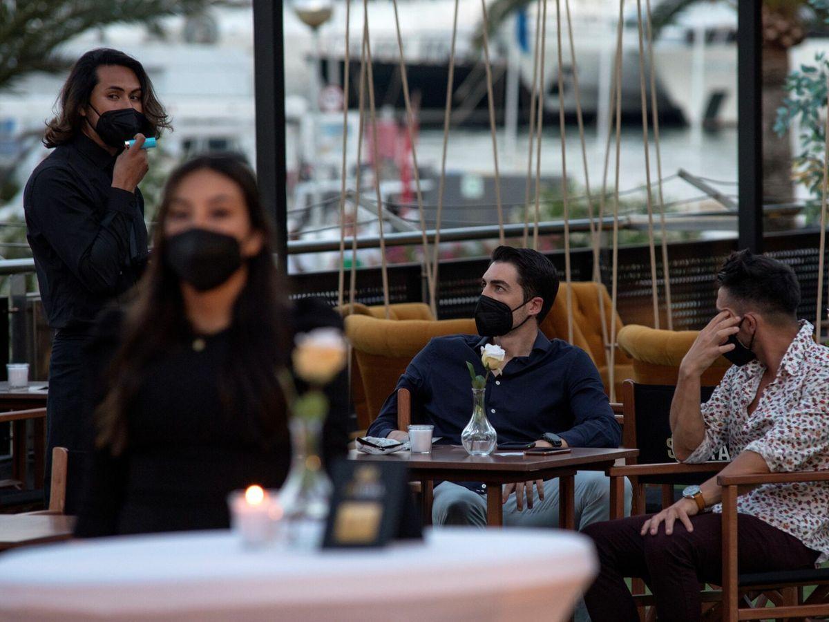 Foto: Consumo en un bar - Archivo. (EFE)